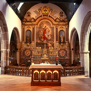 les quatre évangélistes de l'autel ont été peints par Guillevic atelier La Chapelle Rose