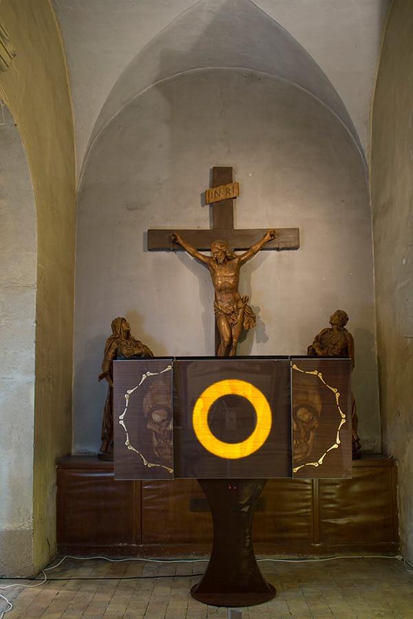 le crâne au pied de la Croix de Jésus